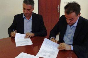 Κέντρο Πιστοποίησης Μανιταροσυλλεκτών στα Γρεβενά - Υπογράφτηκε μεταξύ Περιφερειάρχη και ΕΒΕ Γρεβενών η σχετική σύμβαση