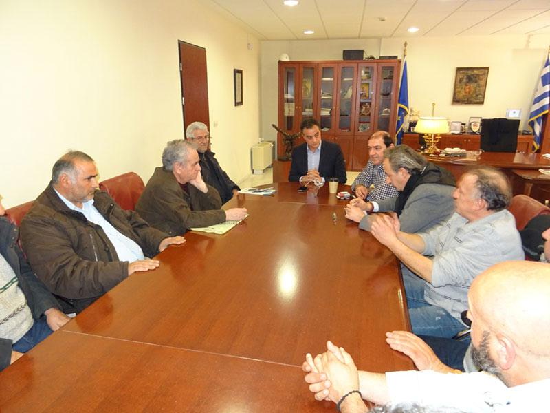 Οι εκπρόσωποι των παραγωγών και πωλητών των Λαϊκών Αγορών επισκέφθηκαν τον Περιφερειάρχη 2