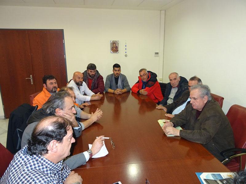 Οι εκπρόσωποι των παραγωγών και πωλητών των Λαϊκών Αγορών επισκέφθηκαν τον Περιφερειάρχη 3