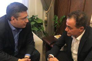 Συνάντηση Απ. Τζιτζικώστα – Θ. Καρυπίδη: Στο επίκεντρο της συζήτησης, η αυριανή κοινή σύσκεψη για το Σκοπιανό