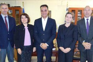Τους τέσσερις Πρέσβεις της Σλοβακίας Iveta Hricová, της Τσεχίας Jan Bondy, της Ουγγαρίας Erik Haupt και της Πολωνίας Anna Barbarzak, δέχθηκε την Πέμπτη 25 Οκτωβρίου στο Γραφείο του, ο Περιφερειάρχης Δυτικής Μακεδονίας Θ. Καρυπίδης